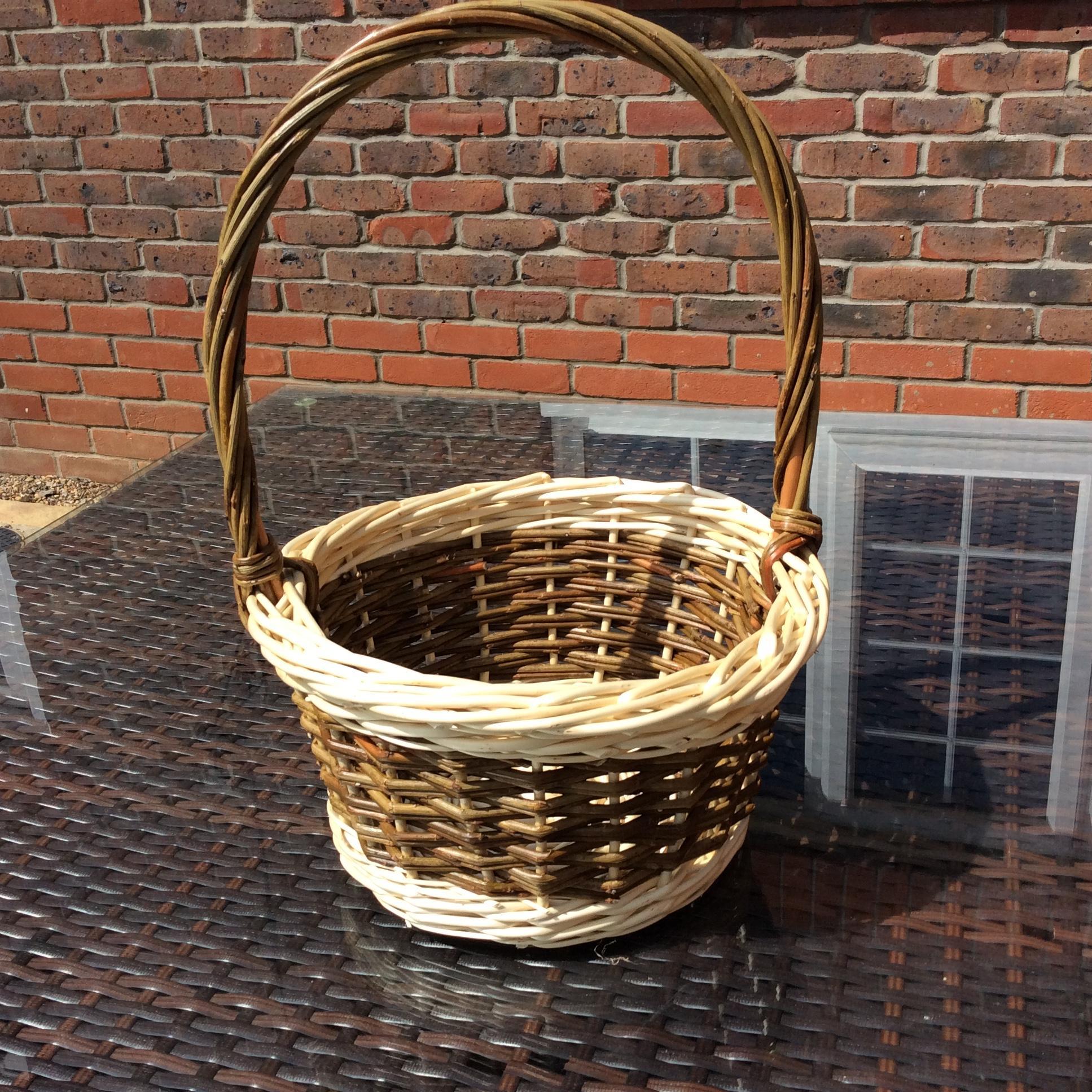 Round peg Basket